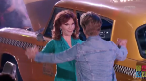 marilu-henner-and-derek-hough-wk-2